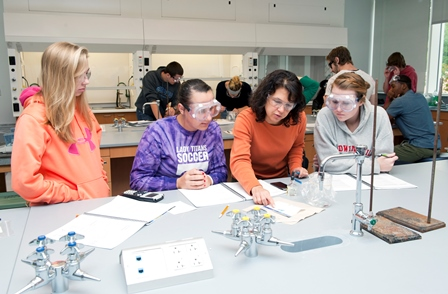 Krista Bellis teaching_Chem Lab