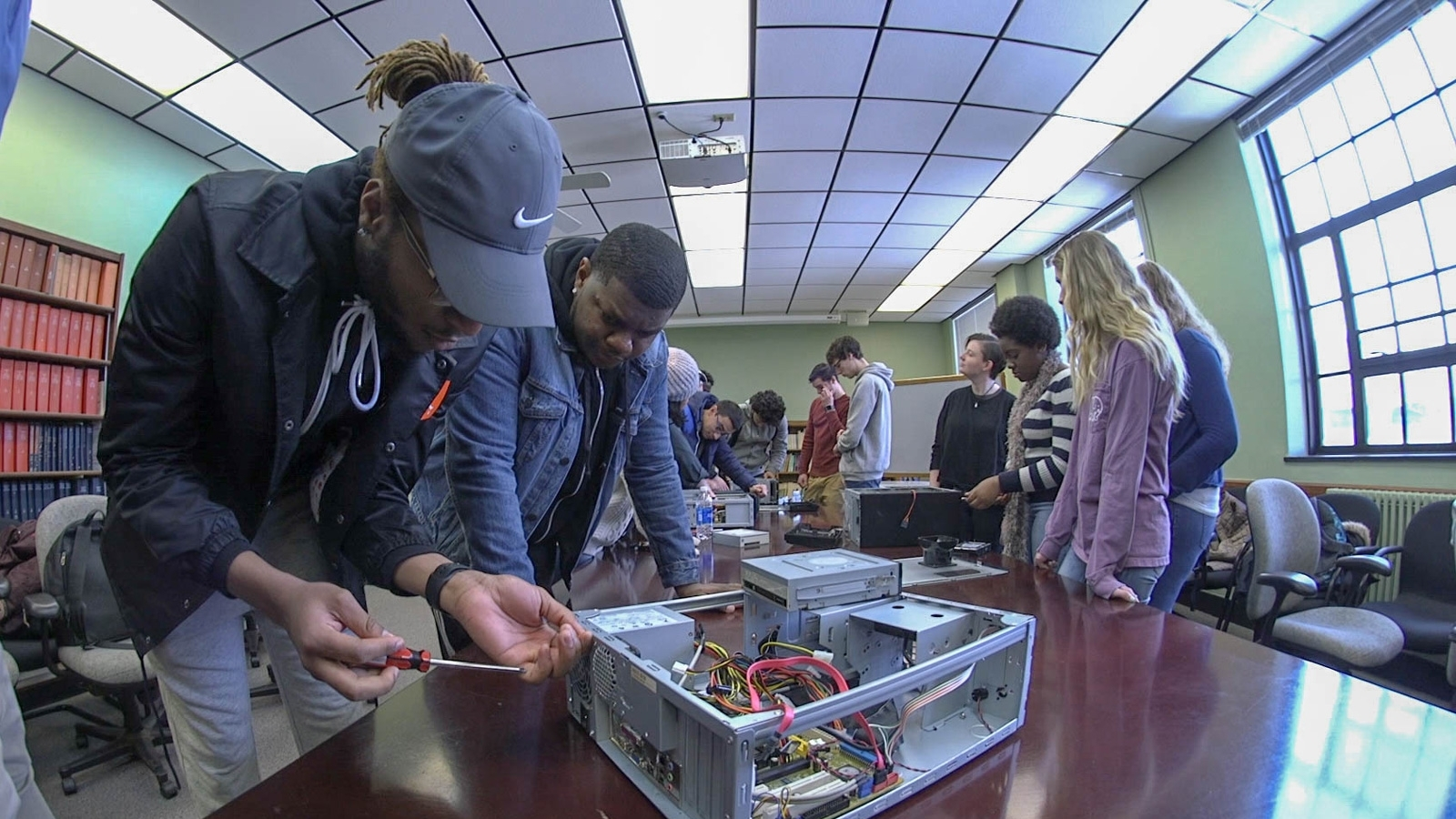 Students building PC