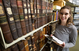History major Rebekah Denz receives internship at National Archives