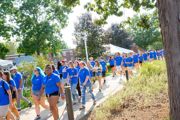 Sea of Blue on Move-In Day 2018